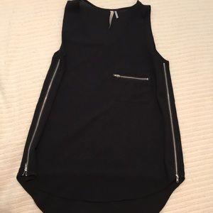 Tops - Black zipper tank top